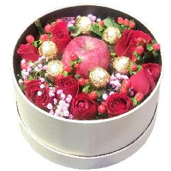 9朵红玫瑰,6颗巧克力苹果礼盒,你是我的爱