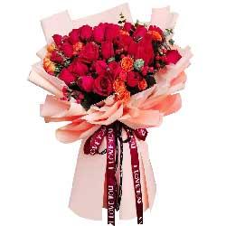 33朵红玫瑰,爱与平凡永长久
