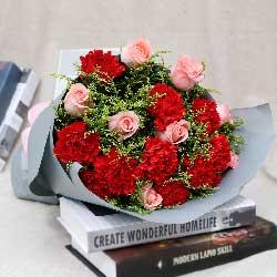 9朵红色康乃馨,9朵戴安娜粉玫瑰,感恩母爱
