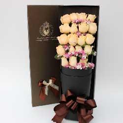 19朵香槟玫瑰,礼盒装,唯你而爱