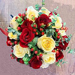 19朵白玫瑰,6朵桔梗,美丽如馨