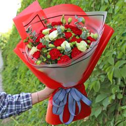 18朵红色康乃馨,10朵桔梗,我最亲爱的人