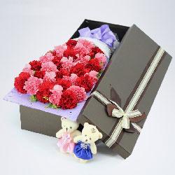 30朵康乃馨,礼盒装,甜蜜温馨