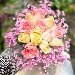 12朵玫瑰,手捧花,永远心心相印