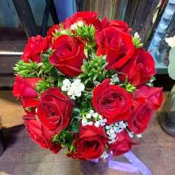 9朵白玫瑰,12朵白色桔梗,爱情的言语