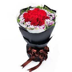11朵红玫瑰,相思梅黄英丰满,甜甜蜜蜜每一天