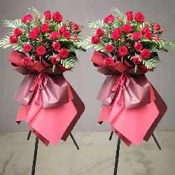 26朵红玫瑰,三脚架花篮,开业礼物
