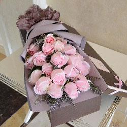 18朵粉色佳人玫瑰,礼盒装,有一种情怀叫思念