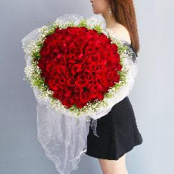 99朵红玫瑰,我们的心紧紧相连