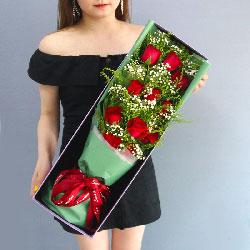 11朵红玫瑰,礼盒装,有你才有光明和未来