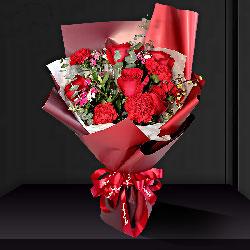 6朵红玫瑰,5朵红色康乃馨,愿您永远年轻