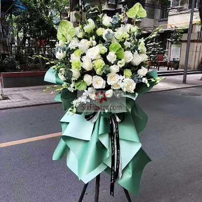 20朵白玫瑰,三脚架开业花篮,财源滚滚达三江