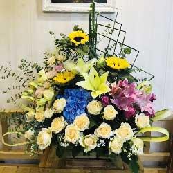 19朵香槟玫瑰,3朵向日葵,精致花篮,我亲爱的人