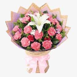 19朵粉色康乃馨,白色多头百合,与您的诉说