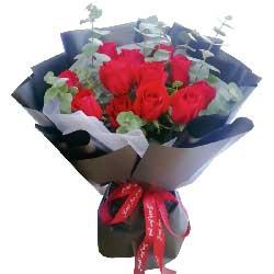 12朵红玫瑰,美好人生