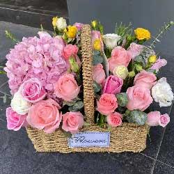 19朵粉玫瑰,精致花篮,月亮代表我的心
