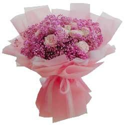 11朵粉玫瑰,我们的心紧紧相连