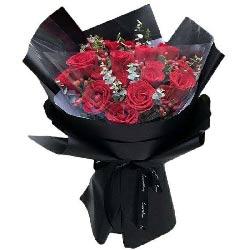 12朵红玫瑰,心心相知