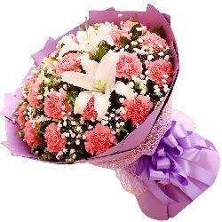 22朵粉色康乃馨,2支白色多头百合,永远年轻