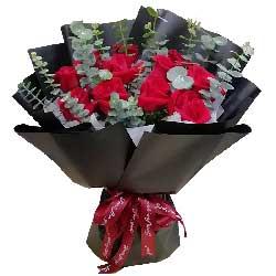 13朵红玫瑰,想知道你有没有喜欢我