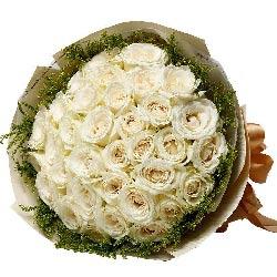 33朵白玫瑰,爱你非我莫属