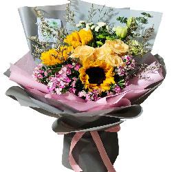 3朵向日葵,6朵香槟玫瑰,彩色人生