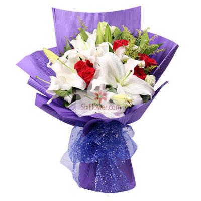 9朵红玫瑰,4支白色多头百合,我的爱陪你慢慢的变老