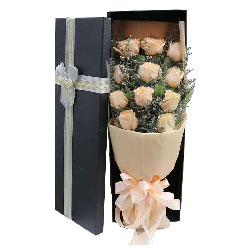 11朵香槟玫瑰礼盒,爱的含义
