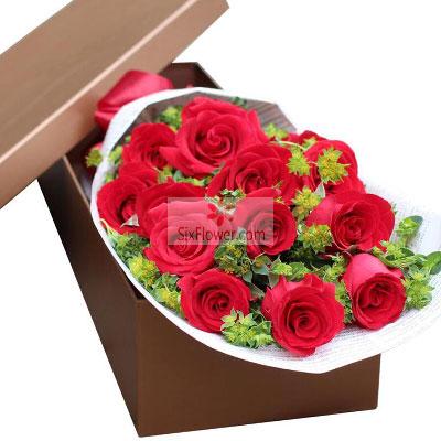 11朵红玫瑰礼盒,爱你不离不弃