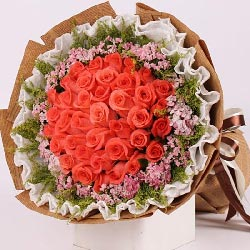 33朵粉玫瑰,有你相伴是幸福