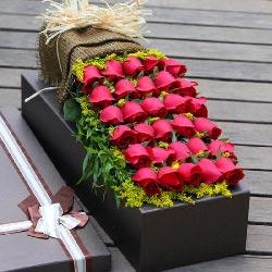 30朵红玫瑰礼盒装,人生为你而更美好