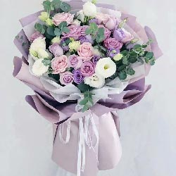 11朵紫玫瑰、9朵戴安娜粉玫瑰,心上人