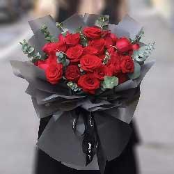 22朵红玫瑰,今生来世在一起