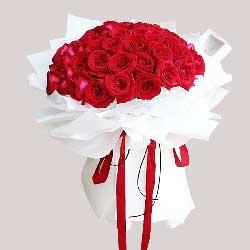 99朵红玫瑰,内心深处的爱恋