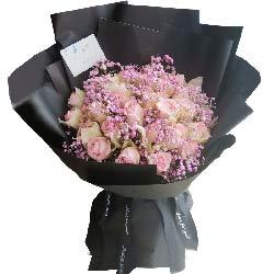 33朵戴安娜玫瑰粉色满天星,火热的爱意