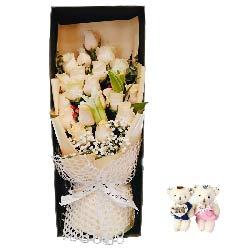 19朵香槟玫瑰百合礼盒,用心去表达去爱你