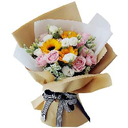 3朵向日葵,9朵粉玫瑰,幸福长久