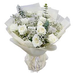 11朵白玫瑰香烟,红尘有爱