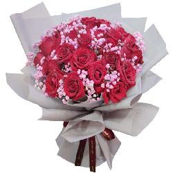 33朵红玫瑰满天星,与君长相伴