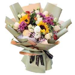 3朵向日葵,11朵香槟玫瑰,万事顺利前程什锦