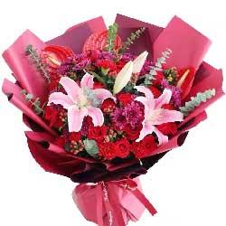 11朵红玫瑰康乃馨,真挚的祝福