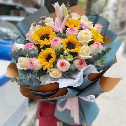 5朵向日葵,9朵香槟玫瑰,健健康康