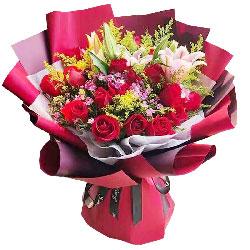 18朵红玫瑰,2支粉色多头百合,细水长流的人生