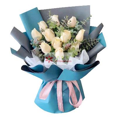11朵香槟玫瑰,一颗爱你的心