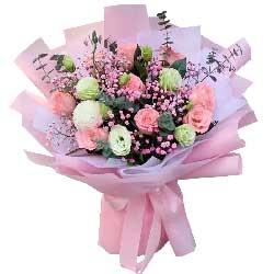 9朵戴安娜粉玫瑰,一颗心为你跳动
