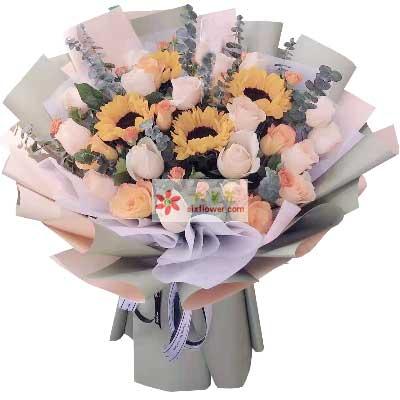 4朵向日葵,21朵玫瑰,只有与你相伴