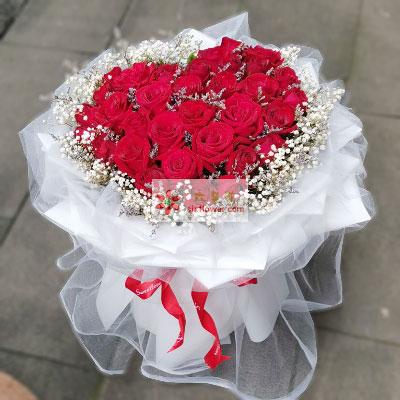 33朵红玫瑰,喜欢你直到永久