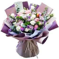 11朵紫玫瑰,10朵粉玫瑰,带给她幸福