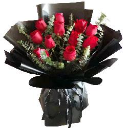 11朵红玫瑰,爱你一生相伴