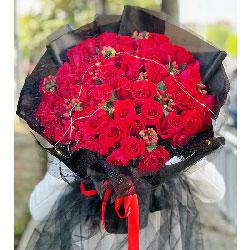 52朵红玫瑰,爱意一生一世